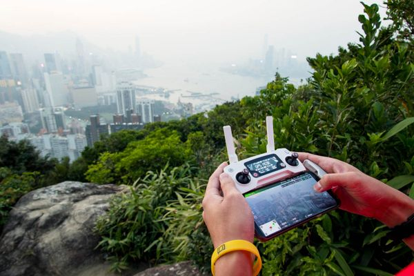 5 TRAVEL TIPS FOR TECH SAVVY TOURISTS